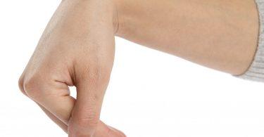 Шишка на запястье руки: как избавиться?
