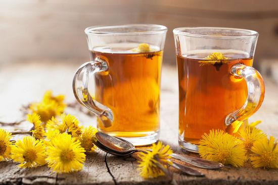 напиток из соцветий мать-и-мачехи