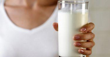 Молоко с «Боржоми» от кашля (при беременности, детям): рецепты, пропорции