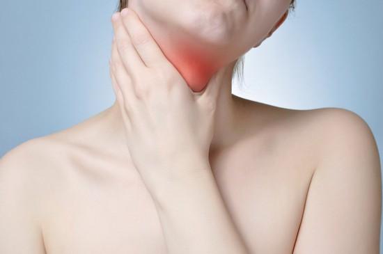 щитовидной железой продуцируется гормон, отвечающий за сохранение тепла