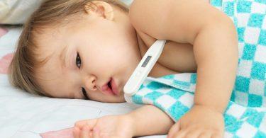 Озноб при температуре у ребенка: причина, что делать