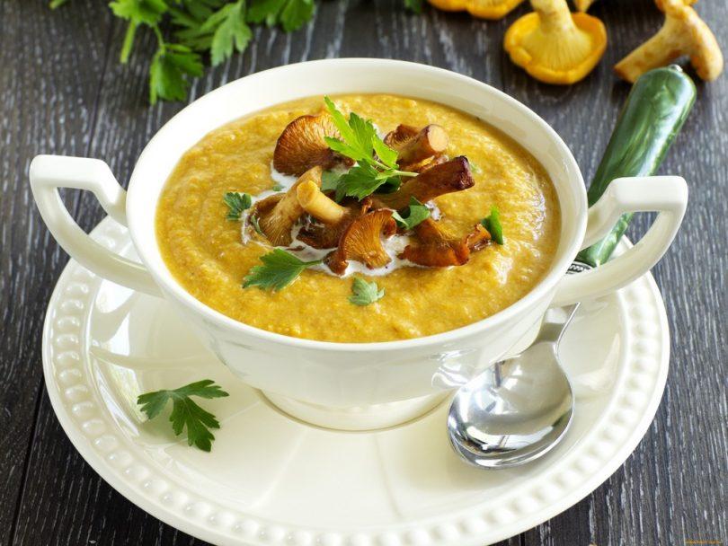 Суп с лисичками: рецепты с сыром