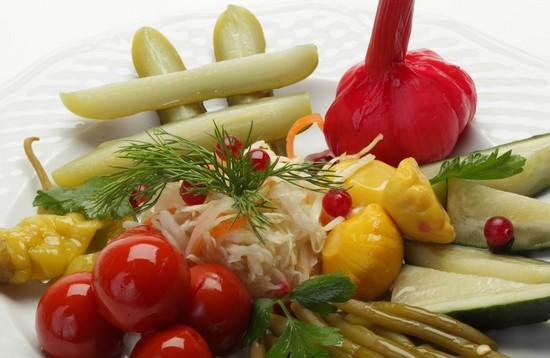 свежие и квашеные овощи