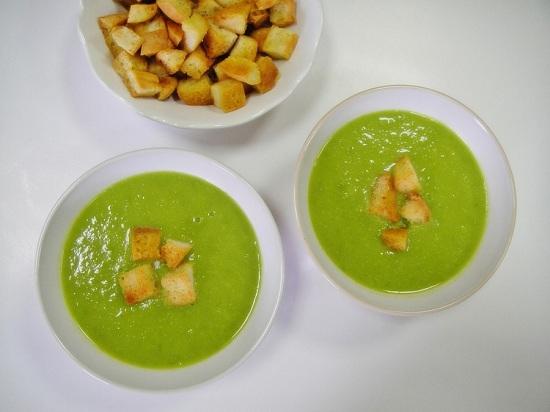суп с молодым зеленым горошком