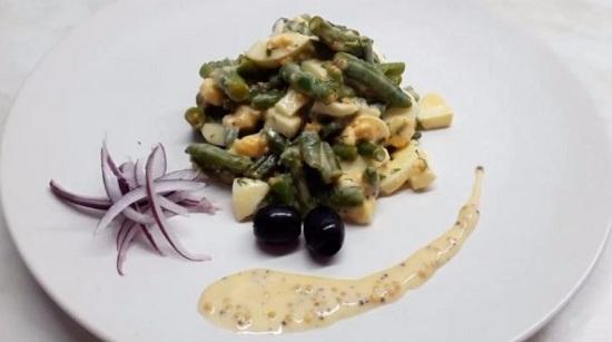 рецепт салатика с фасолью и яйцами
